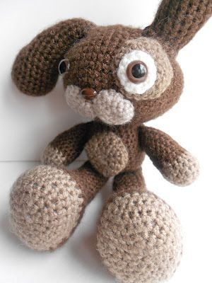 download a FREE pattern every day. ~ Large Foot Bunny