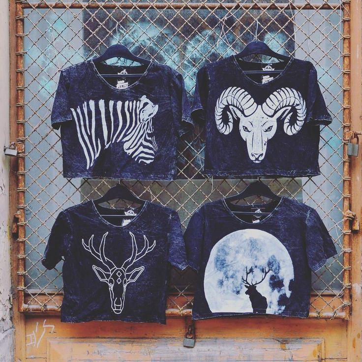Croptop season is not over yet 🐑 #szputnyikshop #szputnyik #budapest #stonewashed #style #unique #croptop #collection #limited #zebra #deer #animals #forwomen #different #top #streetstyle