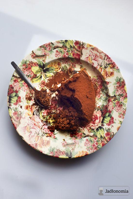 jadłonomia · roślinne przepisy: Czekoladowe ciasto z tahiną