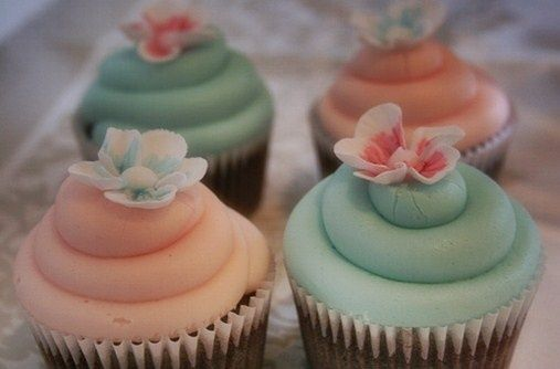 coral and mint cupcakes | Teal and Peach Wedding Cupcakes | April peach and mint