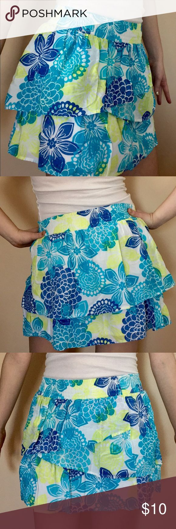 Aeropostale Floral Skirt Worn very few times. Has a white layer underneath. Pairs nicely with a tank top. Aeropostale Skirts