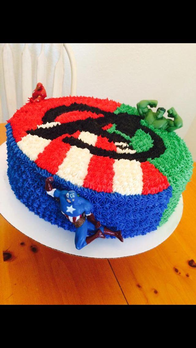Avengers cake made by Cakes By Kayley #cakesbykayley