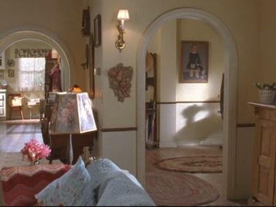"""Gilmore Girls:"" Lorelai's House & the Gilmore Mansion"