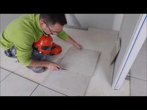 Eric Le Carreleur - traçage et coupe carrelage cadre de porte - YouTube