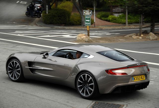 Aston Martin One-77  Looks awesome in this color. yuuup!  FHU