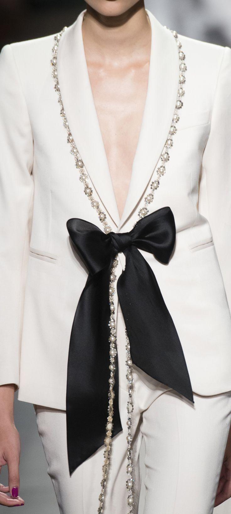 Ilde Adli Kullanicinin L Eleganza In Bianco E Nero Panosundaki Pin Siyah Beyaz Siyah