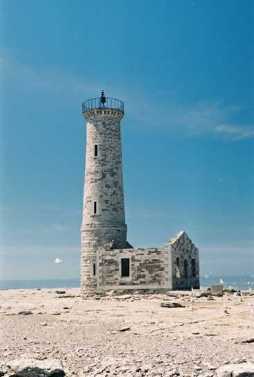 Mohawk Island Lighthouse, Lake Erie Photo By: Chuck Riddell