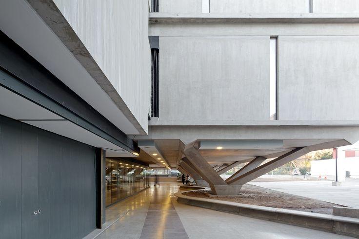 Galería de Edificio ONEMI / Teodoro Fernández Arquitectos - 2
