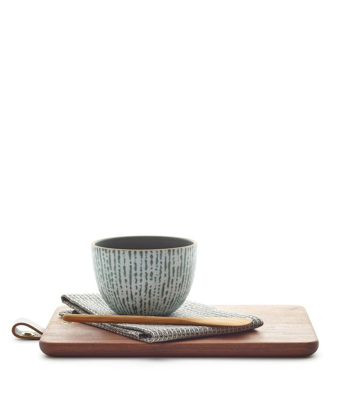 <p>The Bowl and Board set is just as functional for prepping meals as it is for serving and entertaining. The Deep Serving Bowl features Cascade on the exterior, our new special technique glaze for this season's collection. This set includes:</p> <p></p> <ul> <li>Deep Serving Bowl in Sequoia/Cascade</li> <li>Jacob May Rectangular Walnut Cutting Board with Leather Tab</li> <li>Växbo Lin Bubbel Tea Towel in Bla...