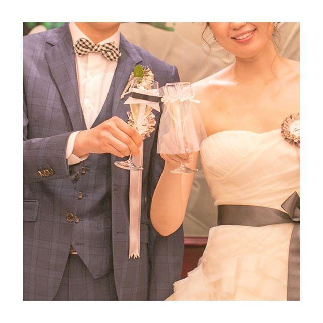 * #乾杯 ショット。 * #eymwedding さんで購入した #グラスドレス ♡ * BGM🎶HAPPY/PharrellWilliams * * * #wedding#verawang#HAPPY#PharrellWilliams#結婚パーティー#ヴェラウォン#サッシュリボン#スーツ#シャンパン#marry本撮影アイテム#marry本指示書用写真#marry本卒花TODO #手作りする暇なかったー #何故なら旦那が何もしないから #さちこweddingレポ