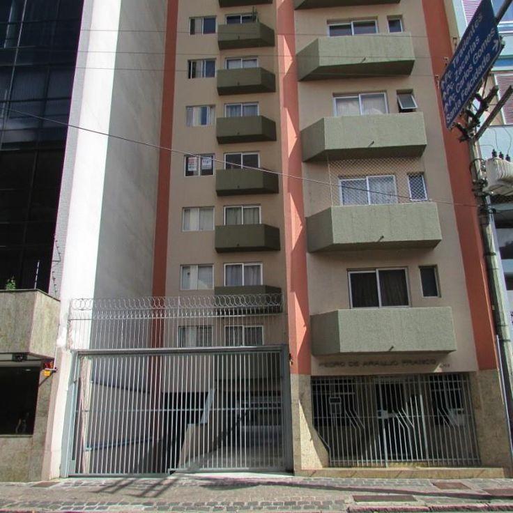 Apartamento para alugar no valor de R$850,00 com 71,00 de área, no bairro Centro, na cidade de Curitiba/PR, 71,00m2, possuindo:  1 dormitório1, quarto1, banheiro - Oferta da Imobiliária Administradora Paranaense