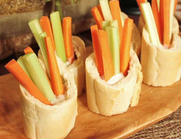 Easy to Grab Veggies and Dip!: Breads Bowls, Fun Recipes, Dresses Up, Bread Bowls, Dips Sauces, Neat Ideas, Food Presents, Great Ideas, Parties Design