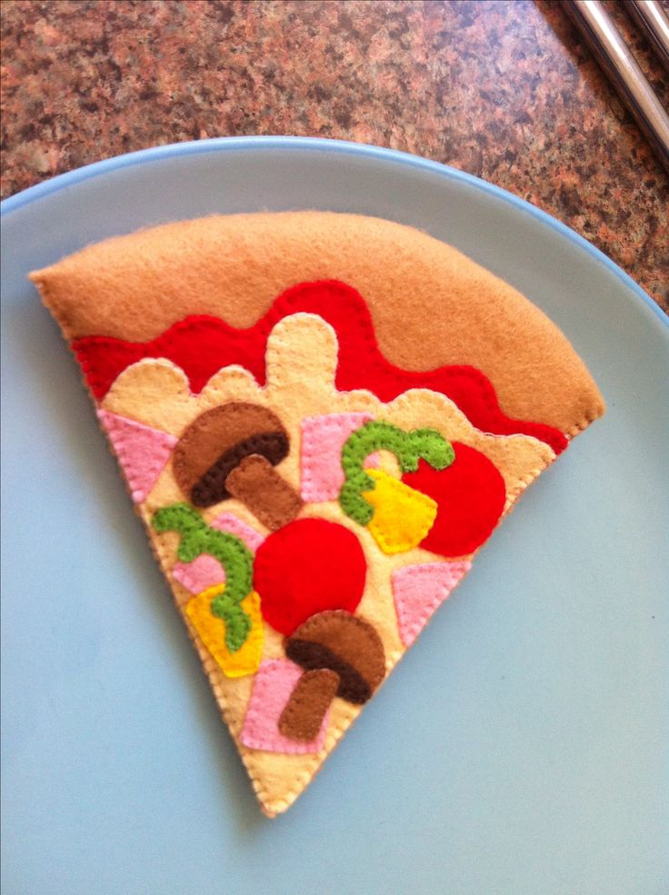 Felt Pizza for toy Microwave