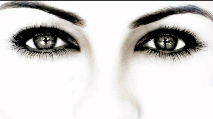 How to grow your eyebrows back naturally  Eyebrows are an integral part of our facial beauty. They are the most distinctive feature that defines our eyes and make up our faces. Eyebrows are the most expressive facial features; it alone can change our face.   See more at.. http://www.indusboutique.com/blog/how-to-grow-your-eyebrows-back-in-5-natural-ways/
