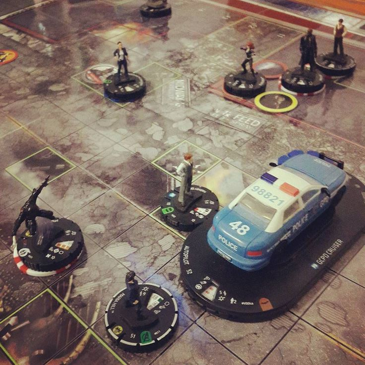 SHIELD and the GCPD clash in the streets of Smallville #heroclix #ussdauntless