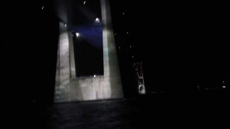 große Belt-Brücke by night
