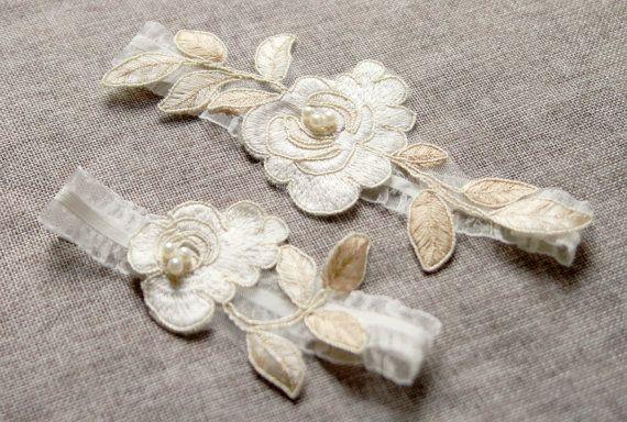 Wedding Garter Bridal Garter Lace Garter Gold Ivory Garter - Keepsake Garter Toss Garter - Vintage Inspired Garter - Rustic Bohemian Garter