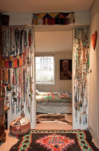 225 best boho bedroom ideas images on pinterest for Room decorating ideas hippie