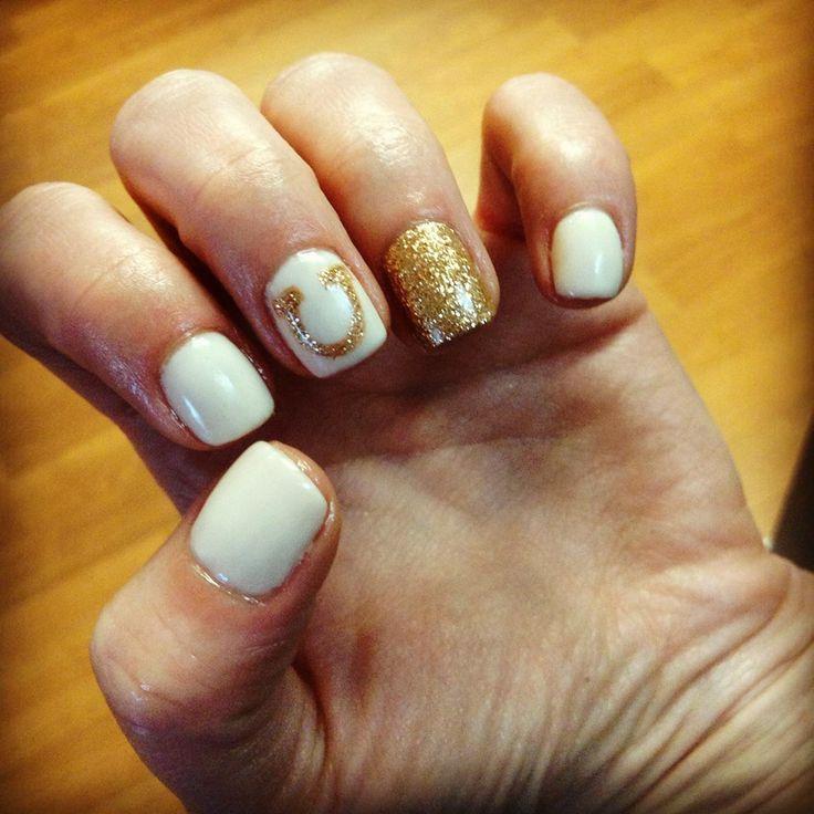 Sparkly Horseshoe Manicure