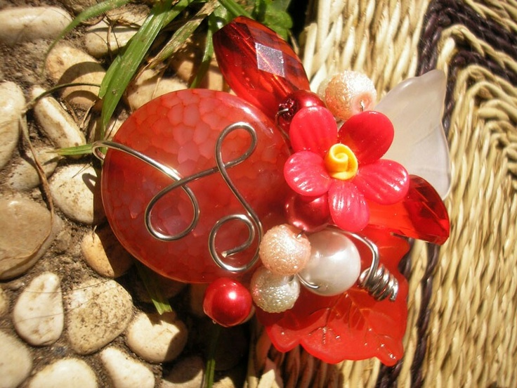 Red Stone Wired Brooch