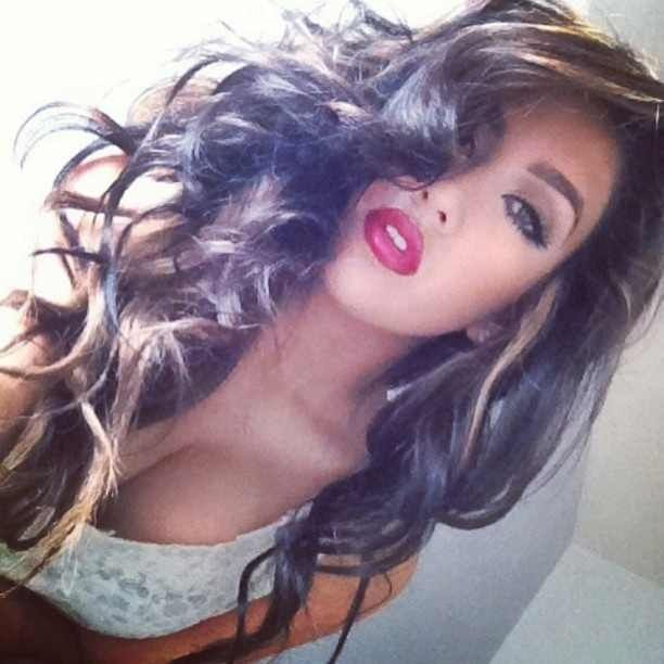 Beautiful Makeup Smokey Eye and Red Lip. Awesome Hair!