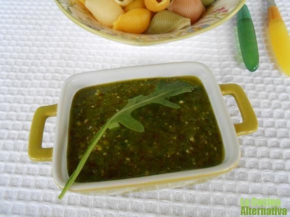 Receta de pesto de rúcula y almendras (crudivegana) http://www.lacocinaalternativa.com/2013/06/12/receta-de-pesto-de-rucula-y-almendras-crudivegana/