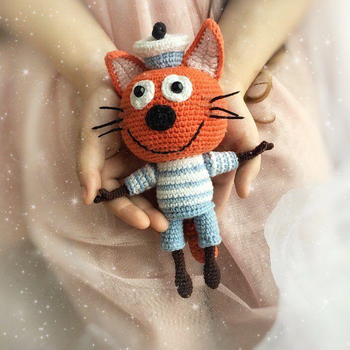 Коржик. Карамелька #3кота #трикота #crochetlove #crochet #croché #amigurumi #amigurumitoy #амигуруми #процесс #кот #котик #котики #двакотаиоднакошечка #компот #коржик #карамелька #коткомпот #амигуруминазаказ
