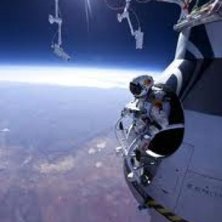 Felix Baumgartner tests free fall jump that will be from 120 th ft and involve supersonic descent!