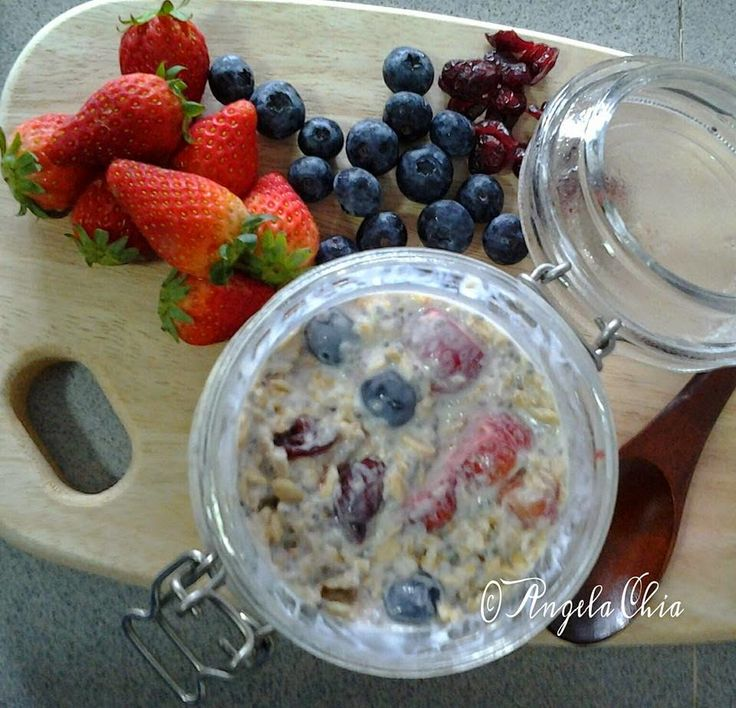 Angela Chia: Mixed Berries Refrigerator Oatmeal with Honey
