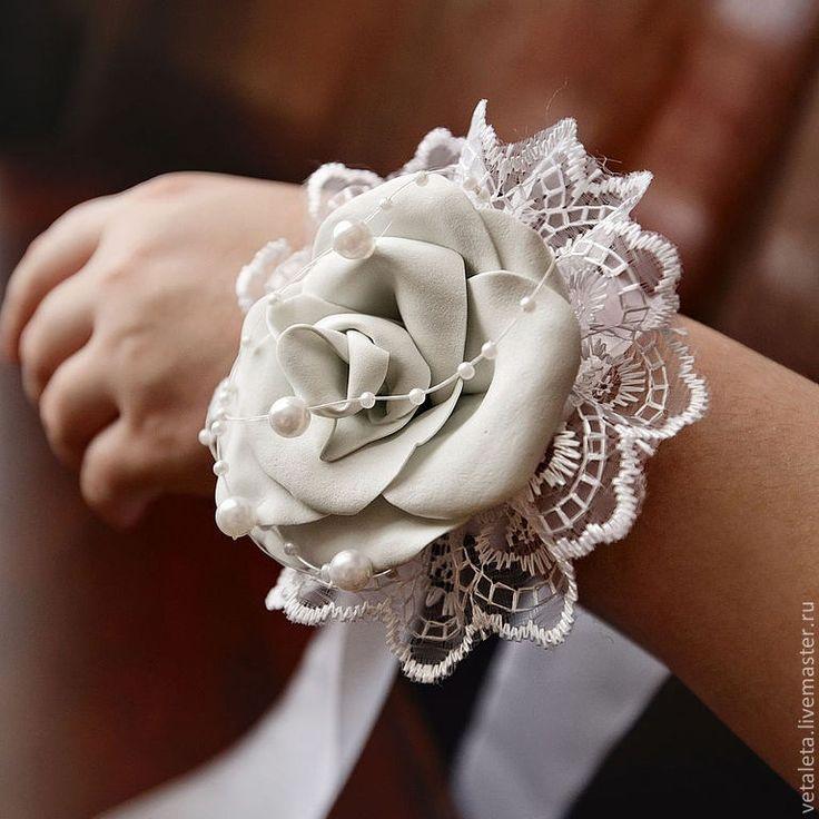 Бутоньерка своими руками из фоамирана для подружек невесты