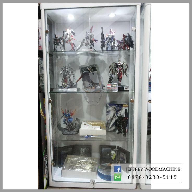 display cabinet, lemari pajangan, lemari pajang kaca, toys, jeffrey woodmachine, rak pajang, gundam, indonesia, jual
