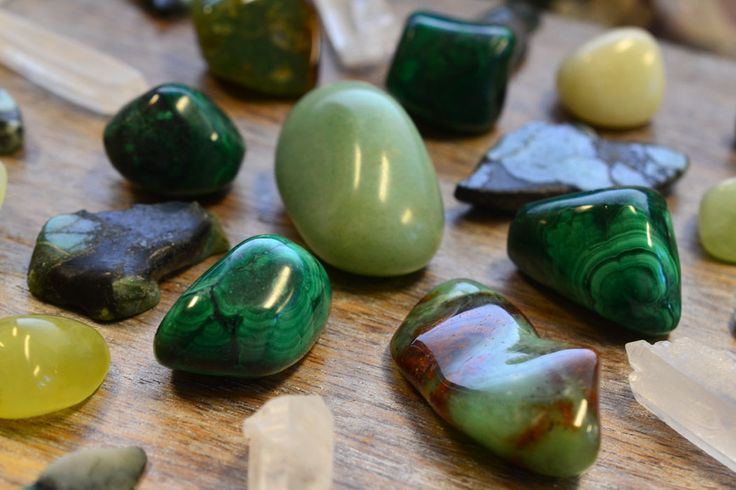 Green gemstones are said to balance the heart and the emotions, strengthening the connection between your heart and the head. #gemstones