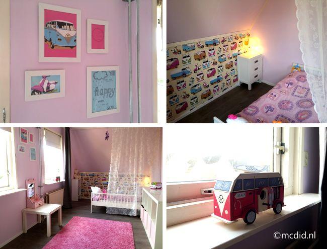 Pink toddler room for a girl with scooters and volkswagen van. Roze peuterkamer met volkswagenbus.