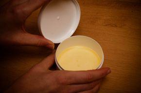 Eliksir arabski jest najprostszym kremem odmładzającym na świecie. Do jego przygotowania wystarczą 2 naturalne składniki: masło shea oraz olej jojoba. Eliksir arabski – masło shea i olej jojoba Masło sheaContinue Reading