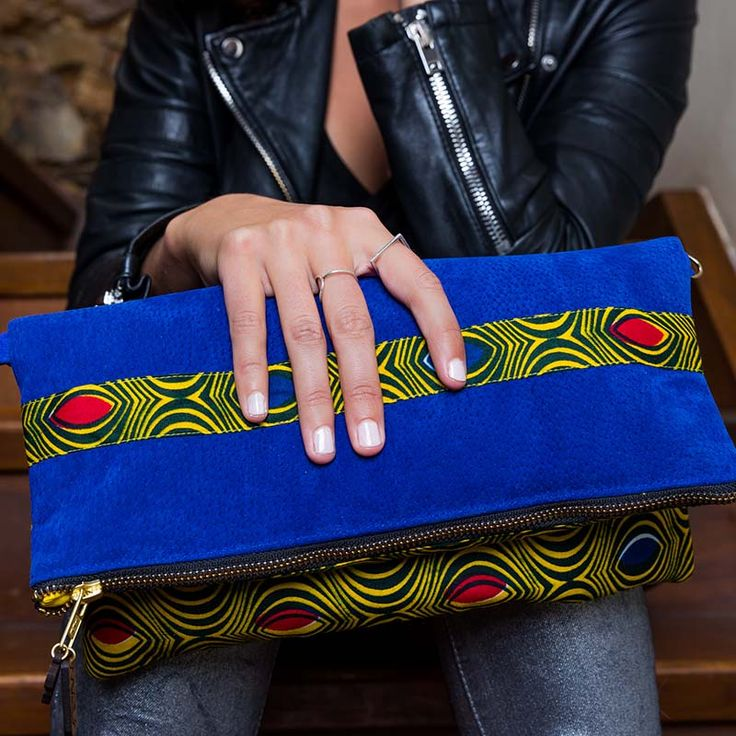 Sac Lekker à Rabat WeAllShareRoots - Pochette éthique, ethnique et chic en cuir et tissu Africain ! #LatestAfricanFashion #AfricanPrints #Africanfashion #Africanstyle #Africanclothing #AfricanBags #Pochette #clutch #modeéthique  #shweshwe #wax #slowfashion #WeAllShareRoots