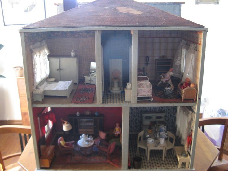 A beautiful large antique Dutch dollhouse with 5 rooms of about 1930 ! #Dutchdollhouse