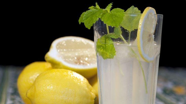 Limonade fra brødrene Price i TV-serien Munter mat