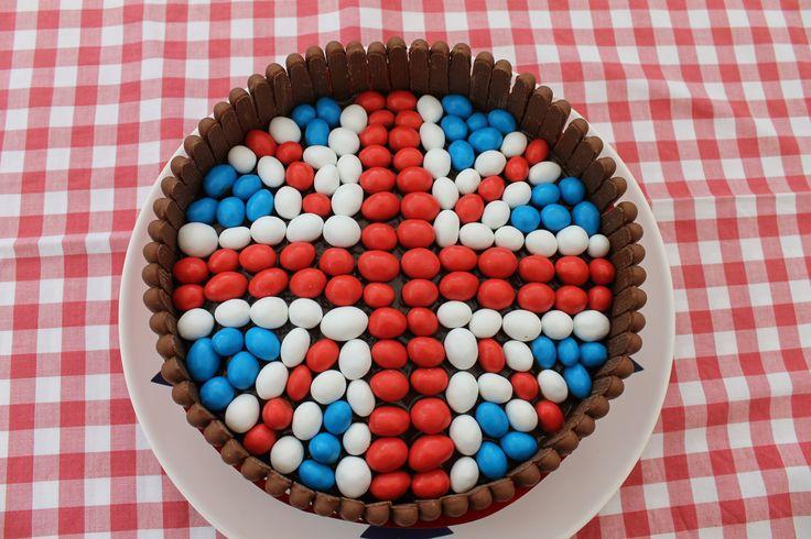 Easy chocolate jubilee birthday cake - Union Jack theme using cadbury's chocolate fingers and M's!