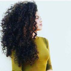 cabelo cacheado comprido