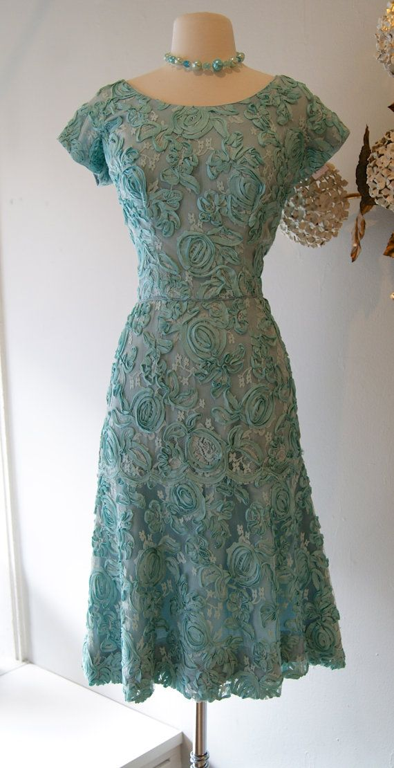 1950s Dress // Vintage 50s Blue Swirly Floral by xtabayvintage, $148.00
