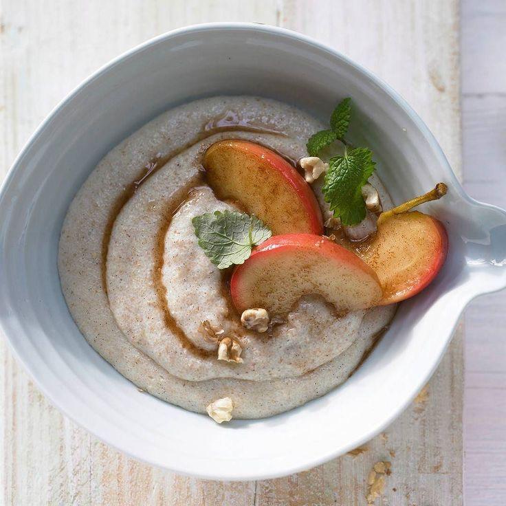 Nach einem eventuell dekadenten Food-Wochenende könnte ihr mit diesem Vanille-Grießbrei gesund in die Woche starten! http://ift.tt/2jmubVm