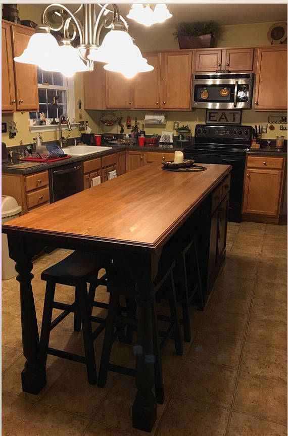 Item 101 Kitchen Island With Extended Seating Area And Solid Maple