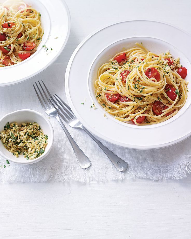Parsley breadcrumbs take this from a simple pasta dish to a sophisticated midweek meal worthy of an Italian restaurant.