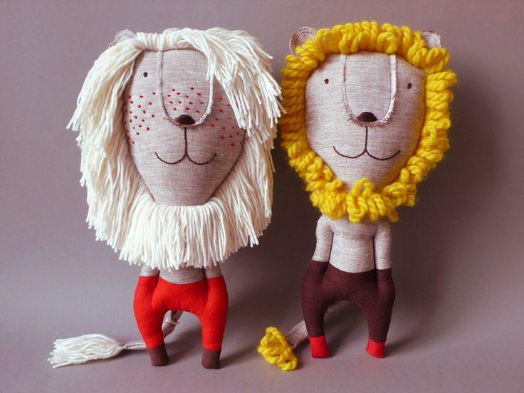 Cute lion soft toy by Jipi Jipi