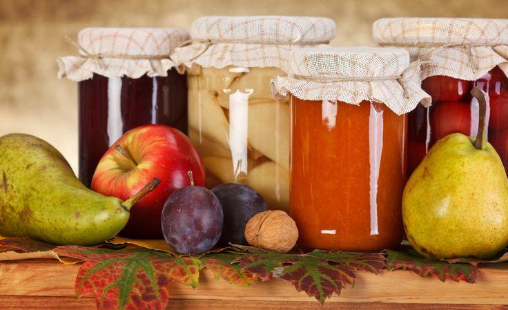 Metodi naturali per conservare gli alimenti per avere a disposizione frutta e verdura tutto l'anno anche fuori stagione con i rimedi delle nonne per le conserve