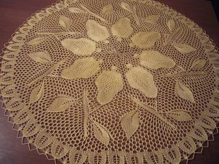 Original Dutch pattern calls for size 000 needles and 2 oz of size 50 thread.