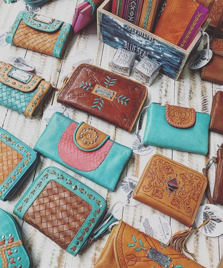 Come by our Gold Coast Showroom to shop our range of  colourful leather wallets, or shop online! We ship worldwide.  #mahiyaleather #mahiya #leatherwallets #handtooledleather #leatherinspo #leatherclutch