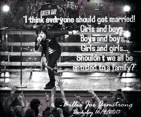 Reason #973 to love Billie Joe Armstrong... I was at this concert!!!!! ❤️