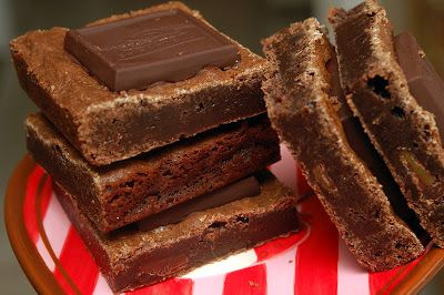 MY LATEST RECIPES Ghirardelli Dark Chocolate & SEA SALT Caramel Brownies 3/4 cup all purpose flour1/2 cup unsweetened cocoa powder1/2 teaspoon kosher salt3/4 cup packed light brown sugar3/4 cup sugar1/2 cup unsalted butter, melted1Tablespoons vanilla extract2 large eggs, at room temperature 12 Ghirardelli Dark & SEA SALT Caramel Squares (6.38 oz. bag) Preheat the oven …