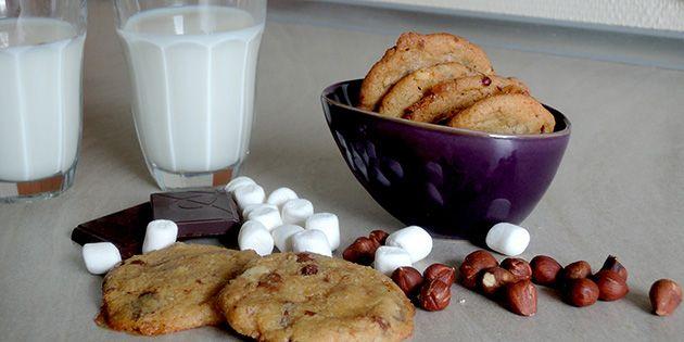 Ekstra søde og sprøde cookies med små stykker skumfidus, som smelter og nærmest karamelliserer i ovnen.
